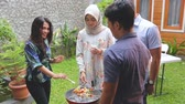 tempero : barbecue with friends Stock Footage