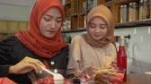 syrop : women hijab prepare fresh drink cocktail