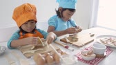 piada : kids make some dough and cookies together Stock Footage