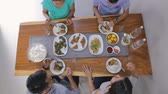 faminto : asian people having lunch