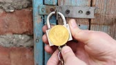 šifra : Secure Bitcoin storage. The lock opens. Bitcoin private key hack
