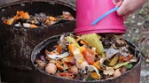 odpady : Waste sorting. Home compost barrel. Composting of waste
