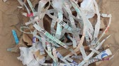измельченный : Shredded Paper for Compost or Mulch in Garden. Newspaper, cardboard, egg cartons Стоковые видеозаписи