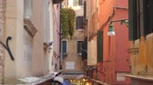 Венеция : Architecture in Venice Italy. Narrow streets in Venice Стоковые видеозаписи