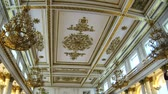estuque : The halls of state Hermitage Museum in St. Petersburg