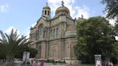 Болгария : The Cathedral of the Assumption in Varna, Bulgaria. Shot in 4K ultra-high definition UHD, so you can easily crop, rotate and zoom, without losing quality!  Real time. Стоковые видеозаписи