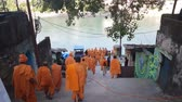 szafran : Monks With Saffron Robes On Ganga Ghat