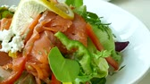 салат латук : Smoked salmon salad with fresh vegetable