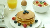 диеты : Variety breakfast foods Стоковые видеозаписи