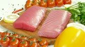 cseresznye : Raw tuna fillet with dill