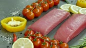 endro : Raw tuna fillet with dill