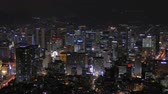 한국의 : 4K Time lapse Building of Seoul skyline with Seoul tower in South Korea