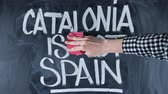 politika : Man against the separation of Spain and Catalonia