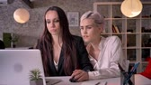 luxúria : Two young pretty lesbians working in modern office, woman flirting with woman, touching her hand, seductive and sexy Vídeos