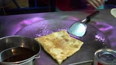 cart n corrugado : Cooking Thai eggs Pancake on the street on Hua Hin. Thailand. Realtime video