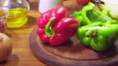 бекон : Ingredients for preparing pizza with bacon, pepperoni and bell pepper Стоковые видеозаписи