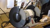 fricção : Grinding wheels grinding machine. Electric sharpened. Type of equipment for sharpening tools.
