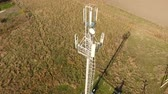 postroj : Cellular tower. Equipment for relaying cellular and mobile signal. Cellular tower.
