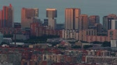 schemering : Sunset view district 22 @ in Barcelona met zonlicht beweging op de gevel van de gebouwen. Time Lapse Stockvideo