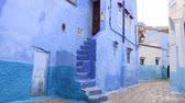 gündüz : Rainy Blue Alley In Chefchaouen, Morocco. Chefchaouen is a city in northwest Morocco famous for its blue buildings. Other views available. Stok Video