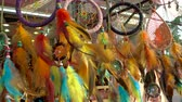circulação : Dream Cathers Hanging at Market Stall Stock Footage