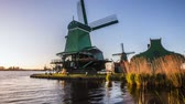 General view of traditional Dutch windmills, Netherlands. 4 in 1 - 4K Time Lapse Footages. Vidéos Libres De Droits