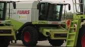 kombajn : the combines are parked for agricultural machinery Wideo