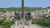 riders : Monument in bulgarian city Stock Footage