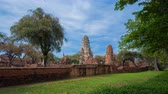 Аюттхая : 4k Time-lapse of Ruins of Wat Ratcha Burana temple in Ayutthaya historical park, Thailand
