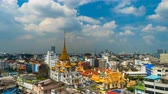 decoro oro : BANGKOK, THAILAND-Dec 1, 2018: time lapse of Wat traimit withayaram temple in Bangkok, Thailand Filmati Stock