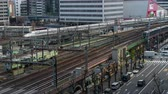 emelvény : time lapse of the train approaching to the Tokyo railway station, Japan Stock mozgókép