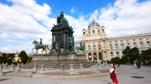 barok : Vienna, Austria, view of Maria Theresien Square Wideo