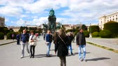 barok : Vienna, Austria, walking in Maria Theresien Square