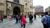 barok : Vienna, Austria, tourists in Stephansplatz square Wideo
