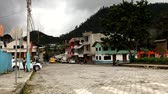liána : Main road of Mindo, a small town in the cloud forest in Ecuador Dostupné videozáznamy