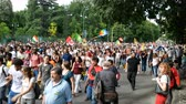 manifestação : Thousands of people take part in demonstration in Milan, Italy