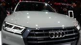 silnik : Front area of ??a Audi Q5 exhibited during the IAA auto show in Frankfurt, Germany on September 13, 2017.