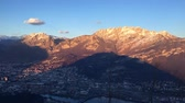 montanha : Time lapse of the sunset over the city of Lecco and Mount Resegone Stock Footage