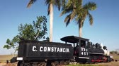 Куба : Old Museum locomotive somewhere in Cuba Стоковые видеозаписи