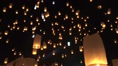 リリース : Thailand Festival Night Sky With Thousand Of Lanterns Yi Peng