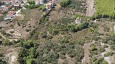 croata : Aerial panoramic view of European village near Split. Green mountains locals farms and vegetation growing. Travel destination in Croatia.