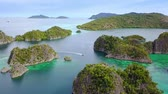calcário : Indonesia. Numerous islands of Raja Ampat archipelago. Drone Panorama. Aerial view