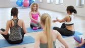 studnia : Ending exercises with breathing in the gym Wideo