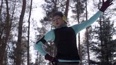 ausdauer : Woman exercising in winter Stock Footage