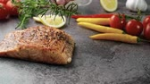 hlavní : Fried salmon with aromatic herbs