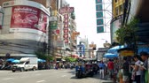 infra estrutura : Bangkok, Thailand-Nov 18,2019 :Busy traffic view at Chinatown Bangkok which is located at Yaowarat Road.Chinatown Bangkok is one of the largest Chinatowns in the world.People can seen exploring around