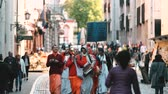 litwa : Vilnius, Lithuania. Demo Of Krishnaites On Pilies Street Of Old Town In Autumn Day Wideo
