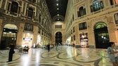 나는 : Naples, Italy - October 16, 2018: Interior Of Galleria Umberto I
