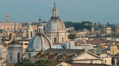 lauriers : Rome, Italy. Cityscape Skyline With Famous Lanmarks In Old Historic Town Vidéos Libres De Droits
