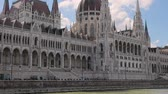 populair : Parliament Building Budapest Stockvideo